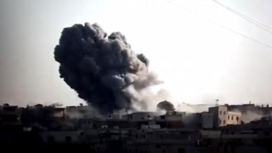 Photo of بالفيديو: لحظة استهداف الطيران الروسي الحربي الأحياء السكنية في بلدة حاس بالصواريخ الفراغية