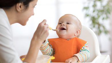 Photo of أطعمة ووجبات يجب أن لا تطعميها لطفلك بعد 6 أشهر من عمره