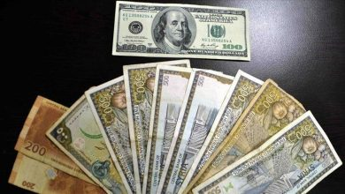 Photo of الليرة السورية تستمر في تدهورها أمام العملات الأجنبية.. وهذه أسعار الذهب