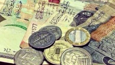 Photo of انخفاض في قيمة الليرة السورية مقابل العملات الأجنبية .. وهذه أسعار الذهب