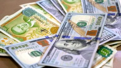 Photo of انخفاض في قيمة الليرة السورية أمام العملات الأجنبية.. وارتفاع قياسي بأسعار الذهب محليًا وعالميًا